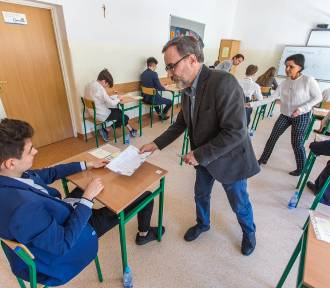 Egzamin gimnazjalny język angielski podstawowy [arkusze i odpowiedzi]