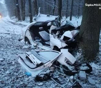 Tragiczny wypadek w Proboszowicach. Jedna osoba nie żyje, dwie są w szpitalu