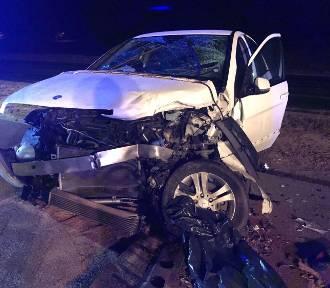 Kierowca bmw doprowadził do czołowego zderzenia na A1. Trzy osoby ranne