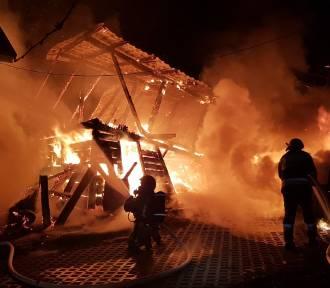 Duży pożar domu i budynku gospodarczego. To było podpalenie?