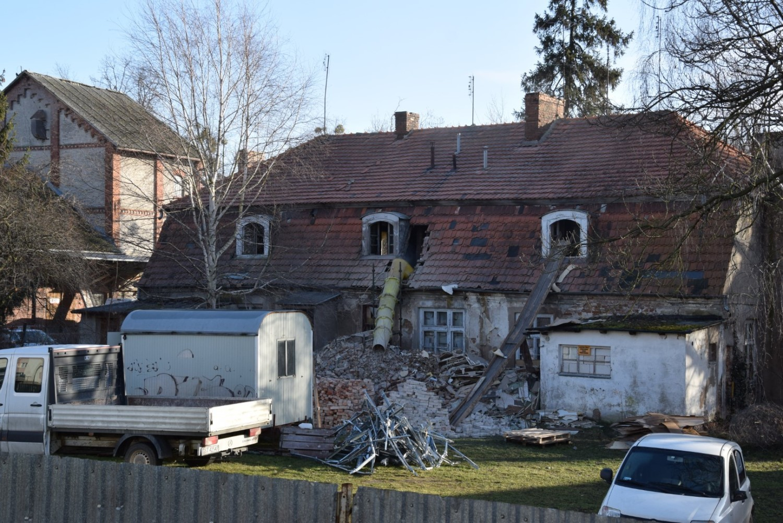 Zabytki Pruszcz Gdański: Ruszył remont Domu Młynarza - zabytkowego dworku ZDJĘCIA. Będzie w nim Urząd Stanu Cywilnego