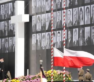 Katastrofa w Smoleńsku. Przypominamy sylwetki ofiar tragedii