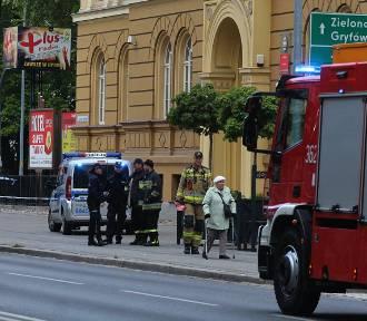 Kolejne alarmy bombowe w Legnicy, ewakuacja w szkołach  [ZDJĘCIA]