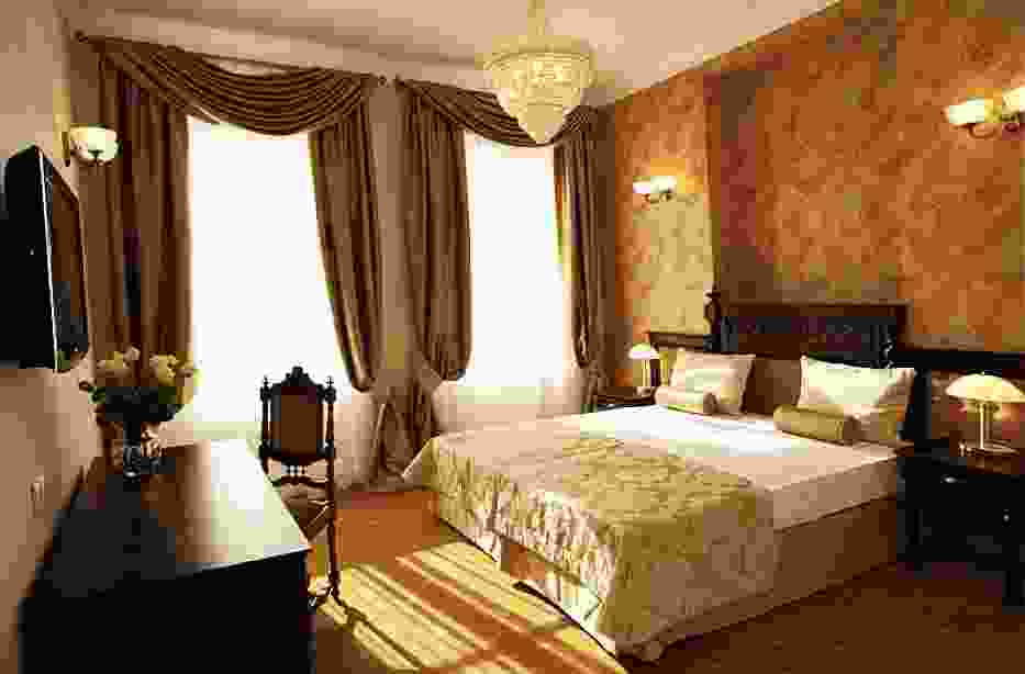 Hotel Kolegiacki****