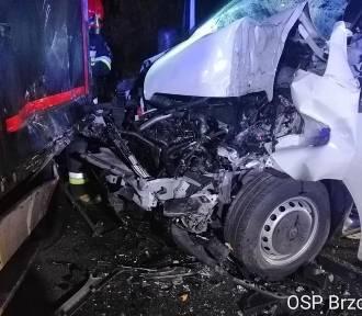 Wypadek w Chmielniku na DK nr 25. Zderzyły się dwa pojazdy [ZDJĘCIA]