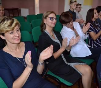 Rozpoczynają się obchody Dnia Edukacji Narodowej - w Kartuzach starosta spotkała się z nauczycielami