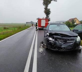 Pechowo na drogach w gminie Dobrcz. Trzy wypadki w ciągu 20 minut [zdjęcia]