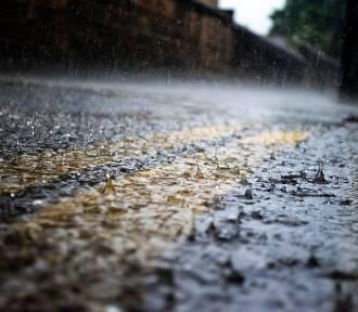 Ostrzeżenie pogodowe o silnych opadach deszczu z burzami