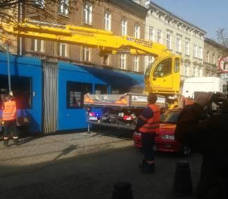 Kraków. Awaria na Karmelickiej, tramwaje uziemione, są spore utrudnienia [ZDJĘCIA]