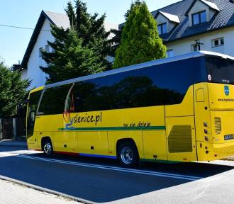 Myślenice. Żółty autobus wozi dziś po mieście za darmo. Bo dziś Dzień bez Samochodu