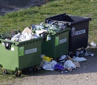 """""""Plastik ćpnij w pieruny"""". Miasto zachęca do recyklingu w gwarze"""