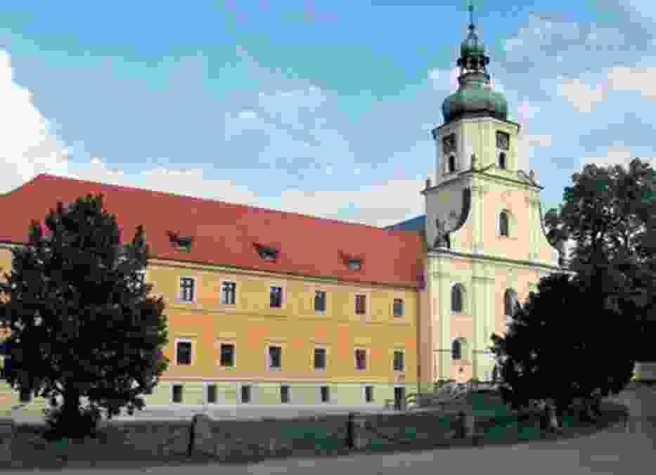 Jeden z budynków Pocysterskiego Zespołu Klasztorno-Pałacowego w Rudach Raciborskich