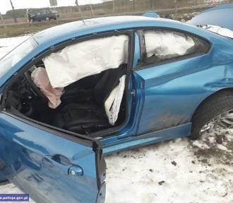 Ćwierć miliona złotych kosztowało auto, które ukradł, i rozbił, młody mężczyzna [ZDJĘCIA, FILM]