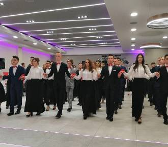 Studniówka 2019 I Liceum Ogólnokształcącego w Zduńskiej Woli [zdjęcia]