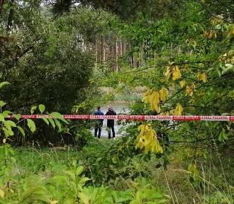 Zagadkowa śmierć mężczyzny w aucie odnalezionym w zbiorniku Próba