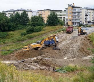 Rozbiórka fragmentu ul. Wilanowskiej. Trwa budowa tunelu [zdjęcia]