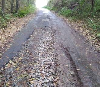 Mieszkańcy os. Bryły w Jaśle skarżą się na fatalny stan drogi. Miasto: będzie remont