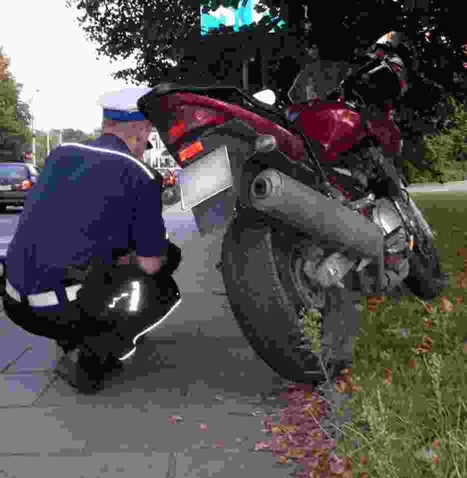 Kolizja motocykla i samochodu osobowego