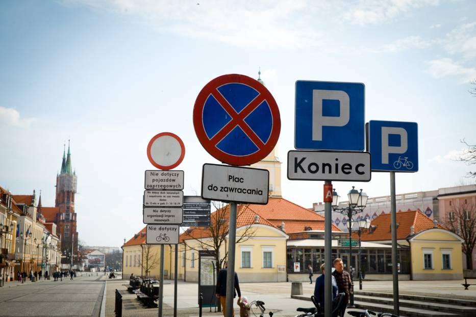 Jesteś kierowcą? Na pewno nie pamiętasz, co znaczą te znaki drogowe!
