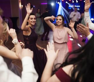 Jastrzębie: Studniówka 2019 ZS nr 2. Uczniowie czterech klas technikum tańczyli do białego rana