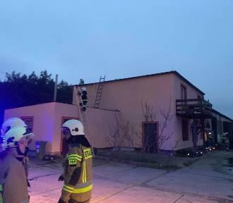 Gmina Chełmno. Strażacy z trzech jednostek gasili pożar komina w Górnych Wymiarach