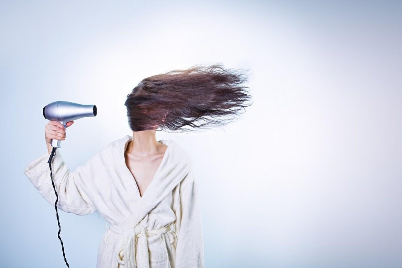 2.Kręć włosy na wałki