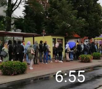 Dojazdy młodzieży do szkół ponadpodstawowych. Czy brakuje autobusów?