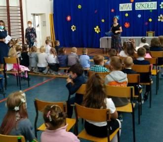 Rozpoczęcie roku w Szkole Podstawowej numer 10 w Starachowicach