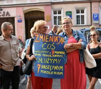 Protest przed Sądem Okręgowym w Legnicy [ZDJĘCIA]