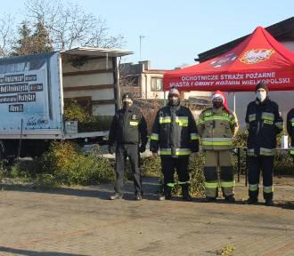 Strażacy ochotnicy rozdawali świąteczną jemiołę mieszkańcom [ZDJĘCIA + FILM]