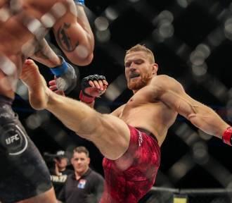 Ile zarabiają Polacy w UFC? Dwóch w czołówce płac za 2020 rok!
