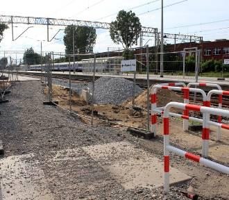 Inwestycja kolejowa w Zielonej Górze: Normalny ruch pociągów w czasie wielkich zmian [ZDJĘCIA]