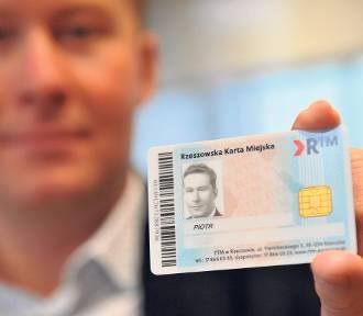 ZTM Rzeszów zmienia e-bilet. Z kartą do autobusu MPK i biblioteki