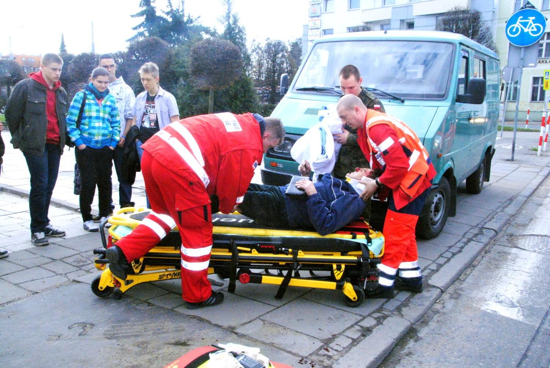 Wypadek Na Ul Małogroblowej W Grudziądzu Auto Potrąciło Pieszego