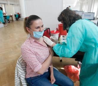 We wtorek ruszyła rejestracja na szczepienia w zakładach pracy