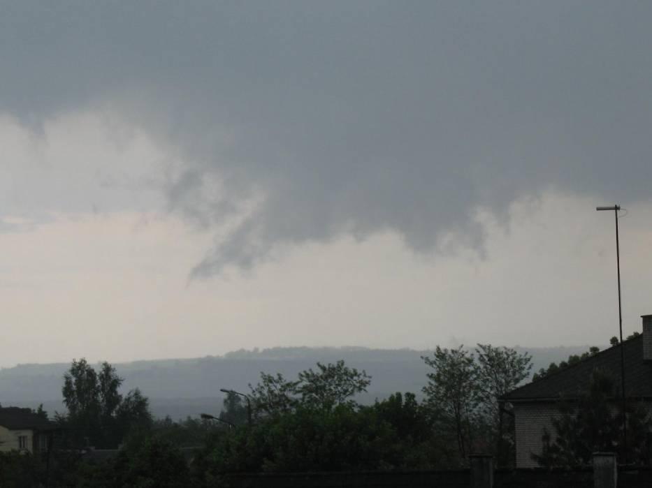Formujące się tornado koło Trzebini
