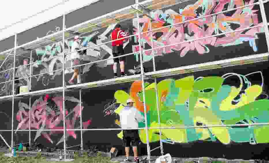 Na starej fabryce przy Łąkowej powstaje galaktyczny mural