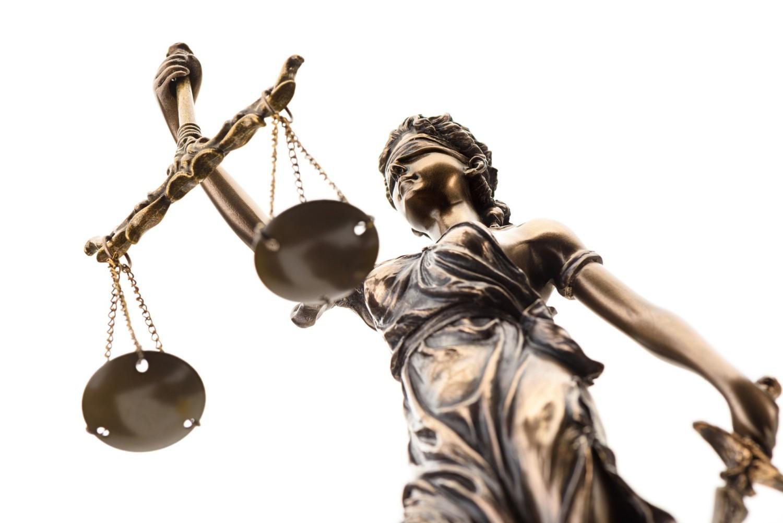Polskie prawo pełne bubli? Wnioski z raportu Prawo