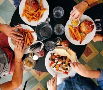 Oto ranking najlepszych restauracji w Żninie. Tu możesz dobrze i niedrogo zjeść! [lis
