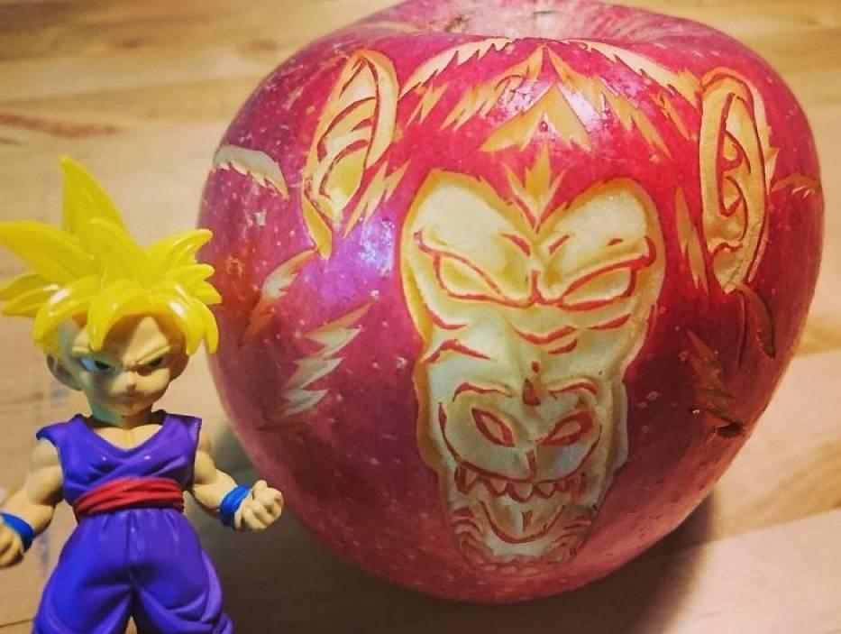 Dzieła sztuki wycinane z owoców i warzyw! Ten Japończyk ma nieprawdopodobny talent