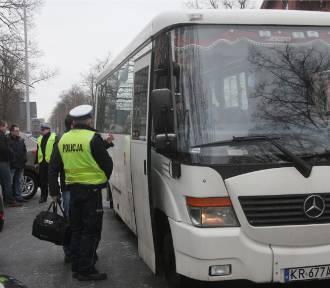 Ferie 2017. Pomorscy policjanci sprawdzają autokary