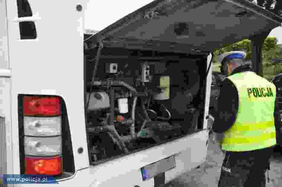 Chcesz być pewien, że Twoje dziecko jedzie bezpiecznym autokarem na ferie zimowe? Zgłoś pojazd do kontroli