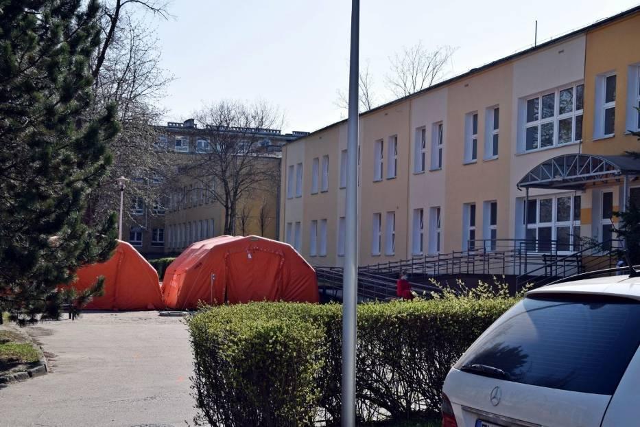 Ile obecnie pacjentów przebywa na oddziale zakaźnym Szpitala Uniwersyteckiego w Zielonej Górze? Stan na 4 maja 2020 roku