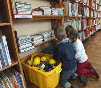 Człuchów. Kącik zabaw zaprasza dzieci w Miejskiej Bibliotece Publicznej
