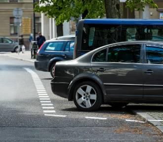 Uwalnianie chodników od samochodów w Bydgoszczy