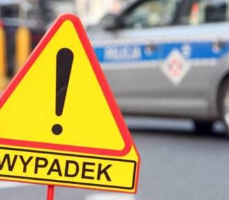 Bus zderzył się z osobówką na mostach Jagielońskich we Wrocławiu