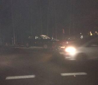 Rybnik: groźny wypadek w Ochojcu. Zderzyły się trzy samochody, są utrudnienia drogowe