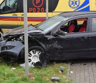 Gniezno. Wypadek na ulicy Łaskiego. Jedna osoba jest poszkodowana
