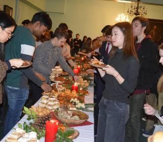 Studenci z zagranicy podzielili się w Opolu opłatkiem