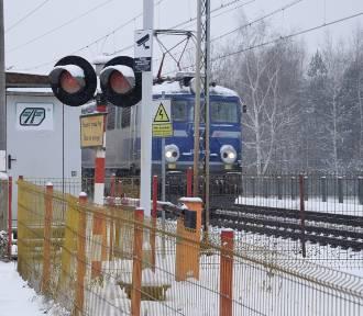 Budowa wiaduktu w Skierniewicach. Piesi będą mieli kłopot [ZDJĘCIA]